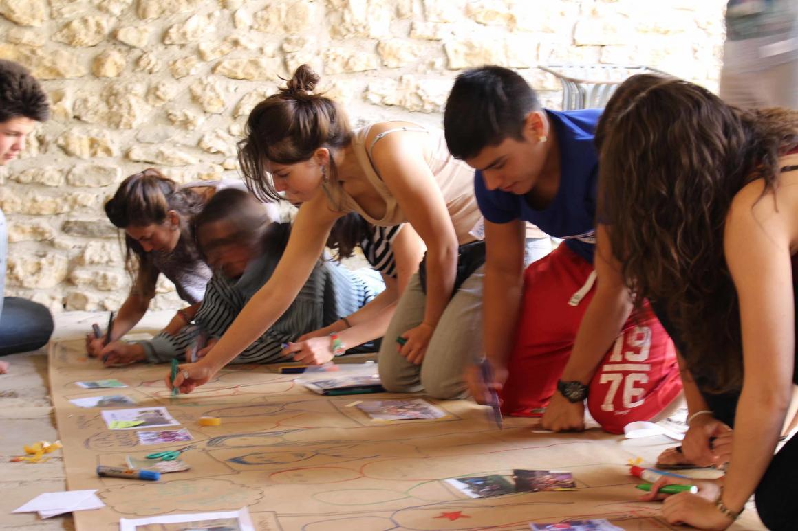 Urgent: Dues places per a un seminari de cap de setmana sobre Educació No Formal a Àustria!