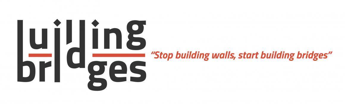 La campanya Building Bridges necessita 2 voluntàries!