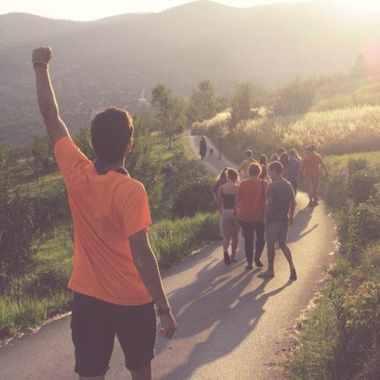Voluntari que treballa per la transformació social, la cultura de la pau i la justícia global