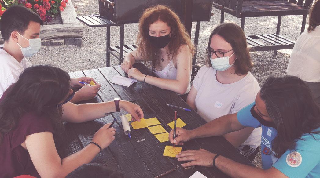 Participa al training 'Permaculture for Solidarity' a Bulgària